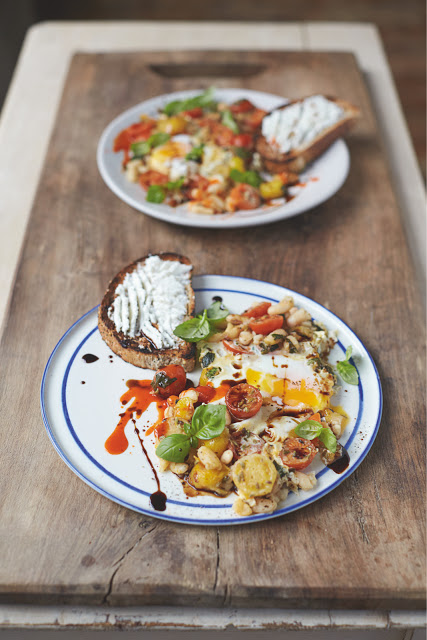 Jamie Oliver's Baked Eggs in Popped Beans and Cherry Tomatoes for the Perfect Vegetarian Breakfast - Tinned Tomatoes