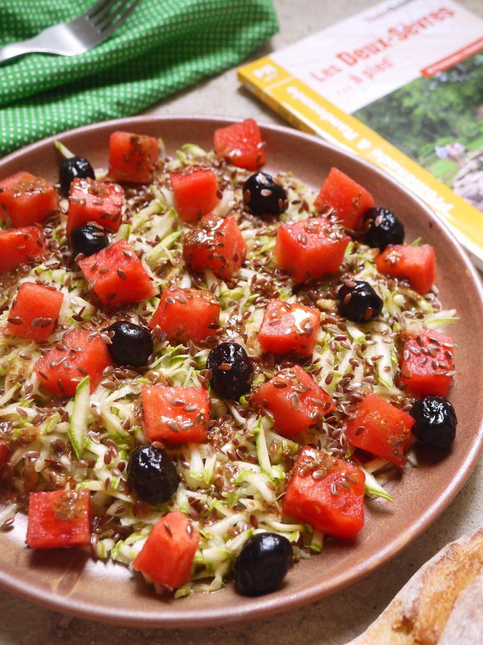 Celle qui faisait…une salade de courgettes à la pastèque et aux graines de lin {végétalien} | Une végétarienne presque parfaite