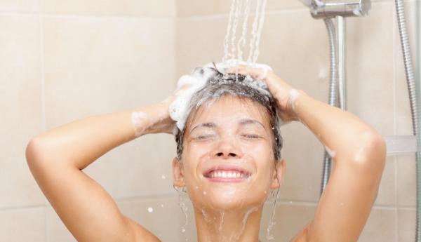 ¿Cuánta agua se consume en la ducha? - EcologíaVerde