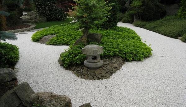 Cómo construir un camino de grava en el jardín - EcologíaVerde