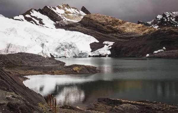 Смелые ученые извлекают лед из самого высокого тропического ледника Земли