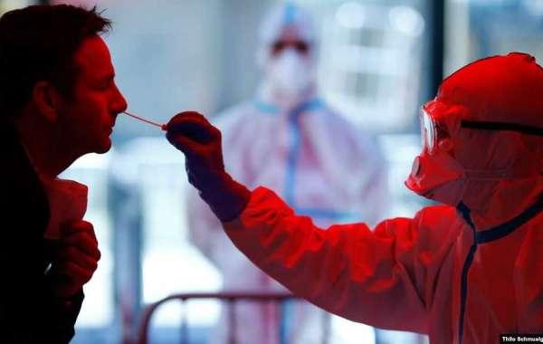 Число заразившихся COVID-19 в мире превысило 900 тысяч. В Москве умерли еще три пациента