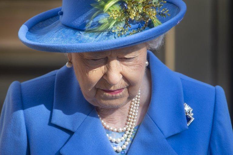 Después de la muerte de Felipe, el príncipe Andrés reveló las palabras de la reina Isabel   Noticias Internacionales
